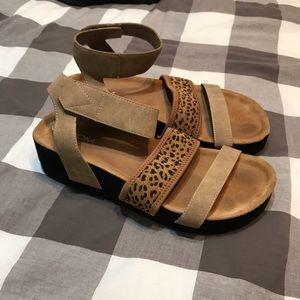 Volcom platform strap sandals